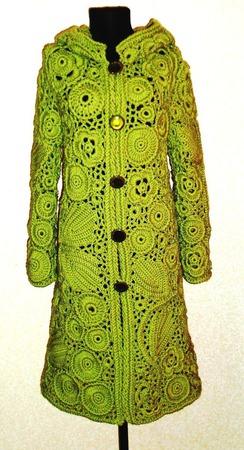 """Вязаное пальто - ирландское кружево """"Спелая оливка"""" ручной работы на заказ"""