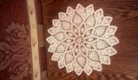 Белая декоративная салфеточка. Диаметр 25 см ручной работы на заказ