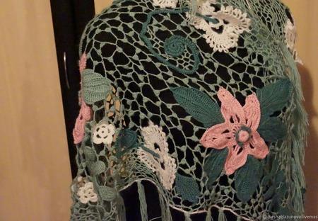 Цветочная шаль ручной работы на заказ