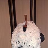 Белая шаль из ангоры