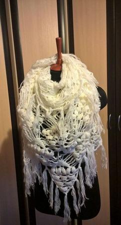 Белая шаль из ангоры ручной работы на заказ