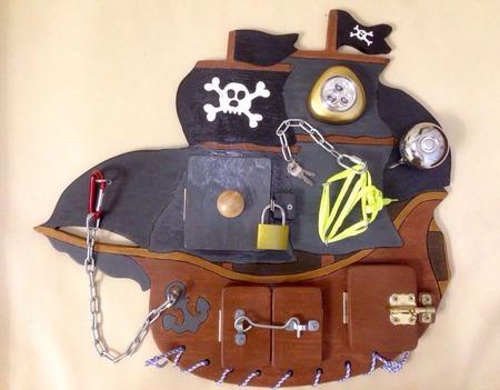 """Бизиборд """"Пиратский корабль"""" ручной работы на заказ"""