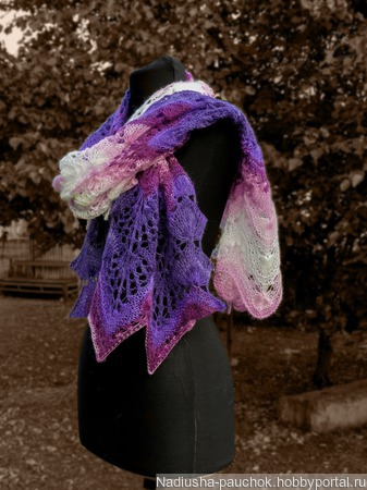 Вязаный  палантин, большой шарф  вязаный спицами, большой ажурный, Десерт ручной работы на заказ