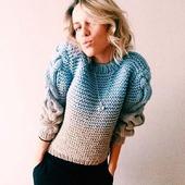 Молодежный вязаный свитер ручной вязки в Москве