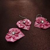 """Набор украшений-оригами: серьги/клипсы + кулон """"Сердечки с цветами"""""""