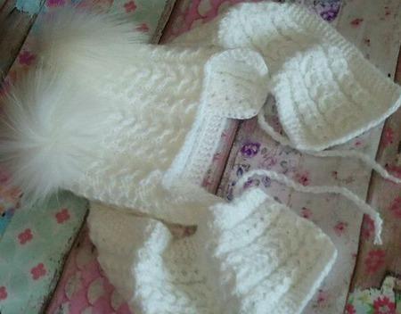 Шапочка- зима двойная с меховыми помпонами ручной работы на заказ