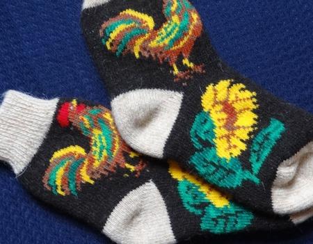 """Носки шерстяные вязанные с петушком """"Новогодний подарок"""" ручной работы на заказ"""