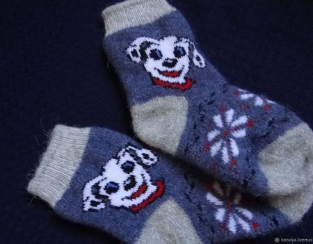 """Детские шерстяные носочки-тёплые вязанные с собачкой """"В подарок"""" ручной работы на заказ"""