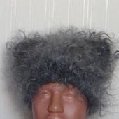 Шапка- киска пуховая, вязанная с пуха козы.