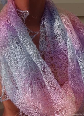 """Палантин цветной вязанный с добавлением козьего пуха """"Радужный"""" ручной работы на заказ"""