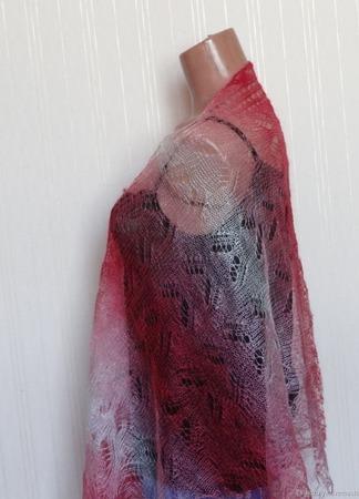 Палантин цветной вязанный с добавлением козьего пуха ручной работы на заказ