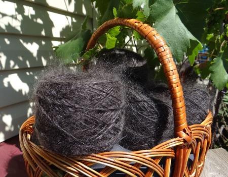 Пуховая пряжа ручного прядения -козий пух с коз придонской породы Ц2. ручной работы на заказ