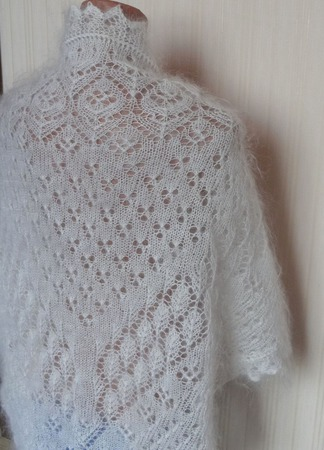 Большая косынка-шаль пуховая ажурная вязанная №31 ручной работы на заказ