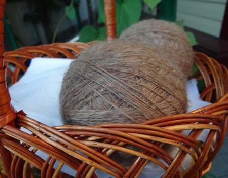 Пуховая пряжа коричневая - ручного прядения -козий пух. ручной работы на заказ