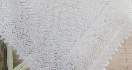 Пуховая шаль-паутинка №46 ручной работы на заказ