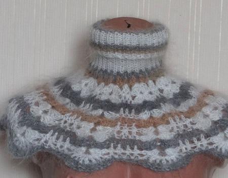 Шарф- манишка пуховая вязанная подростковая ручной работы на заказ