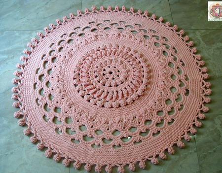 Ковер рельефный ручной работы круглый с помпонами ручной работы на заказ
