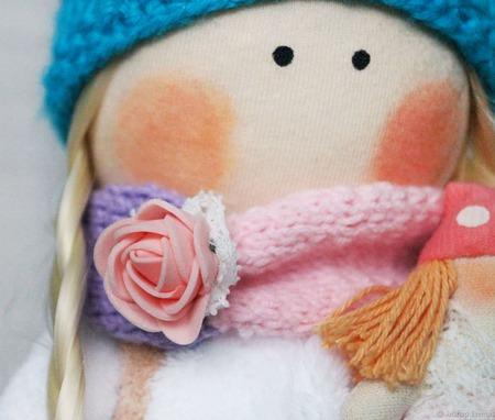 Милая интерьерная кукла снежка текстильная круглоголовка ручной работы на заказ