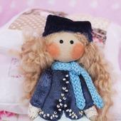 Текстильная брошь куколка. Авторская брошь.
