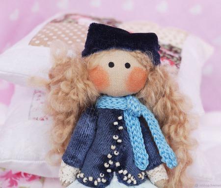 Текстильная брошь куколка. Авторская брошь. ручной работы на заказ