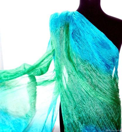 Изумрудно мятно голубой шелковый шарф ручная окраска натуральный шёлк ручной работы на заказ