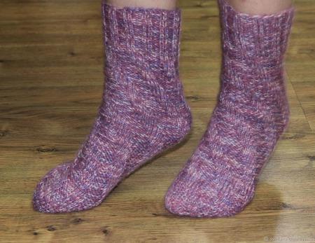 """Вязаные носочки """"Зимняя ягода"""" ручной работы на заказ"""