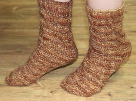 """Теплые вязаные носочки """"Опавшие листья"""" ручной работы на заказ"""