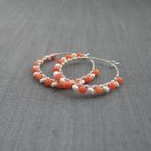 """Серьги-кольца """"Red-white"""" из серебра с кораллом и речным жемчугом"""