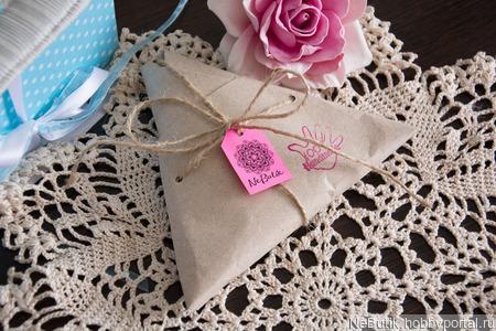 Ажурная декоративная салфетка ручной работы на заказ