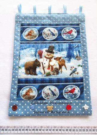 """Новогоднее текстильное панно """"Снеговик с друзьями"""" ручной работы на заказ"""