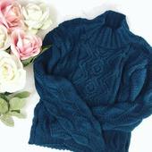 Вязаный свитер ручной вязки