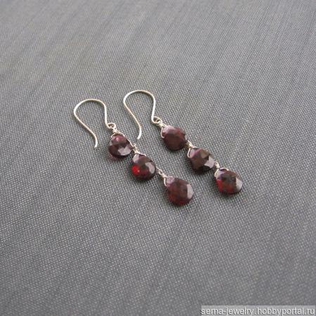 """Серьги """"Garnet petals"""" из серебра с гранатами ручной работы на заказ"""