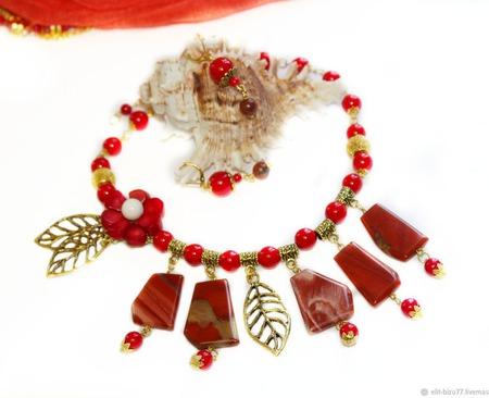 Колье и серьги Красный акцент из коралла и яшмы ручной работы на заказ