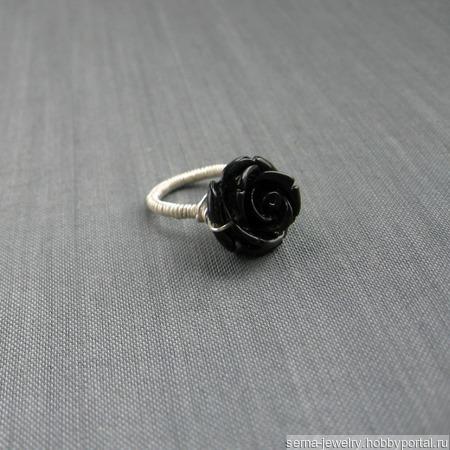 """Кольцо """"Black rose"""" проволочное с розой ручной работы на заказ"""