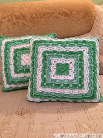 Декоративная подушка ручной работы на заказ