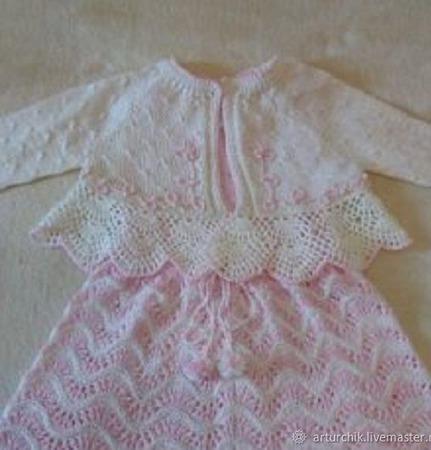Вязаное платье для девочки ручной работы на заказ
