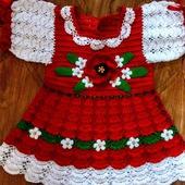 """Вязаное платье для девочки """"Цветочная поляна"""" выполнено из хлопковой п"""