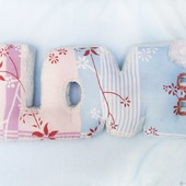 "Интерьерная подушка буквы ""LOVE"" романтика"