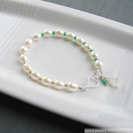 """Браслет """"Emerald pleasure"""" из жемчуга и хризопразов ручной работы на заказ"""