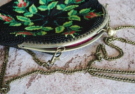 Вечерняя театральная бисерная сумочка Семь роз. Клатч ручной работы на заказ