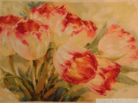 """Картина вышитая """"Акварельные тюльпаны"""" ручной работы на заказ"""