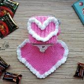 "Комплект: чехол грелка на кружку + подставка ""Нежное сердце"""