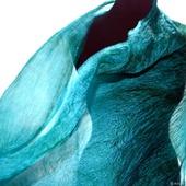 Женский шарф цвета морская волна