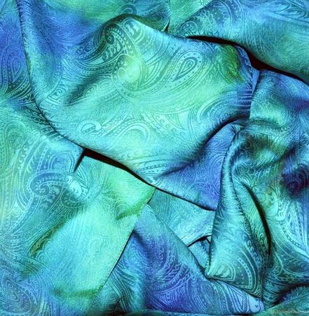 Шарф зелено-голубой из натурального шелка ручной работы на заказ