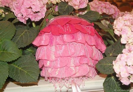 """Сумка """"Розовый Каприз"""" с бисером и кистью ручной работы на заказ"""