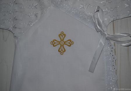 Крестильная рубашка из хлопка с кружевом и вышивкой ручной работы на заказ