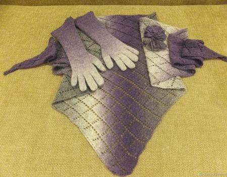 """Бактус и перчатки из шерсти Кауни """"Ежевичная зима"""" ручной работы на заказ"""