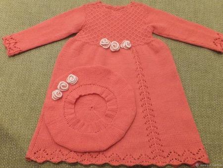 Нарядное платье и беретик для девочки из 100% мериноса ручной работы на заказ
