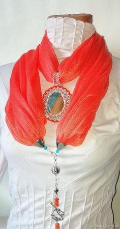 Шарф-колье оранжевый ручной работы на заказ