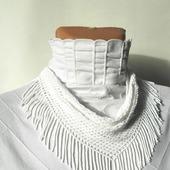 Колье-косынка белая